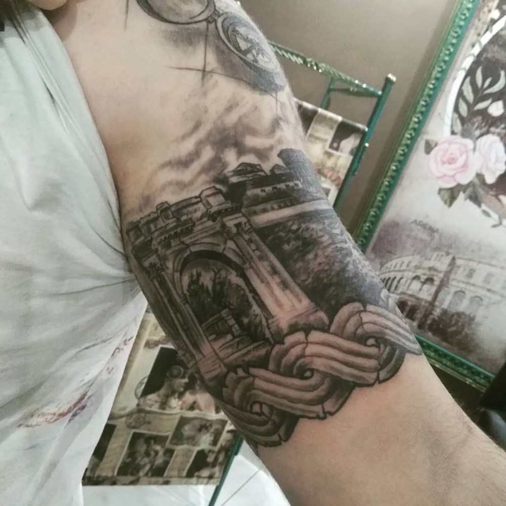 Pula na ruci - Danilo Tatoo Art