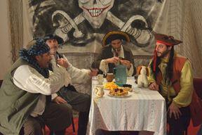 Pirati bujne mašte su Šandor Slacki stariji, Šandor Slacki mlađi, Berislav Mudrovčić i Ian Tataj