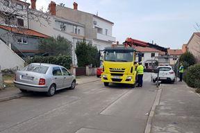 Nepropisno parkiranje u Heiningerovoj ulici trenutno nedopušteno (Amir MUSEMIĆ)