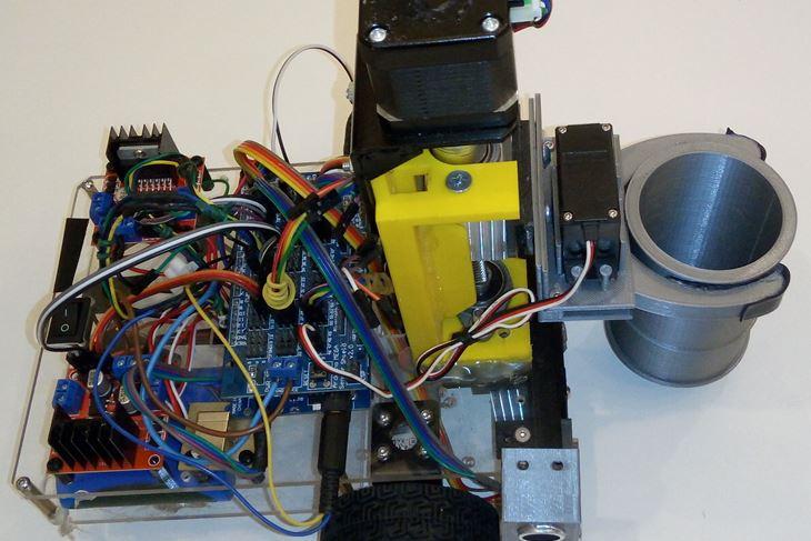 Pobjednički robot za obavljanje transporta cilindričnih spremnika