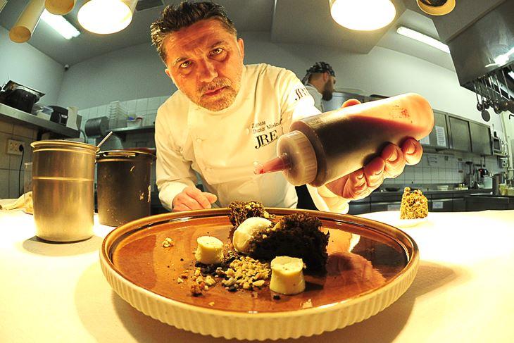 Damir Modrušan u restoranu Zigante (Milivoj MIJOŠEK)