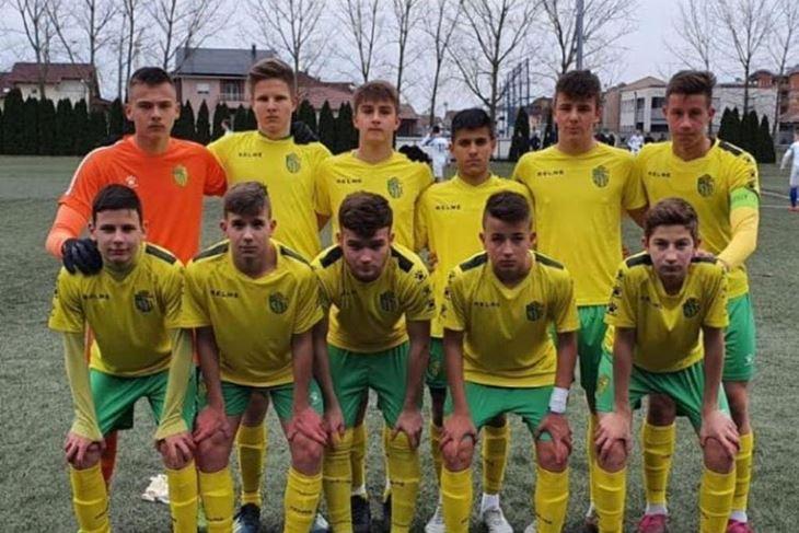 Prvi u povijesti pulskog nogometa - Pioniri Istre 1961 su lideri u Hrvatskoj (www.istra1961.com)