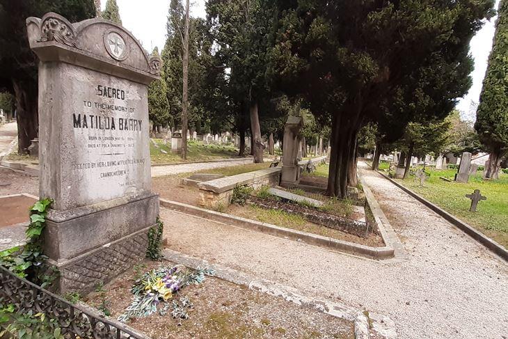 Mornaričko groblje (Z. STRAHINJA)