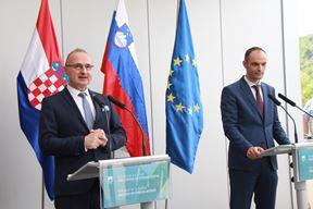 Gordan Grlić Radman i njegov slovenski kolega Anže Logar (L. JELAVIĆ)