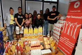 Mladi medicinari u lijepoj i humanoj akciji - donacija predana Crvenom križu