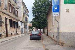 Parking dozvoljen, ali uz kaznu?