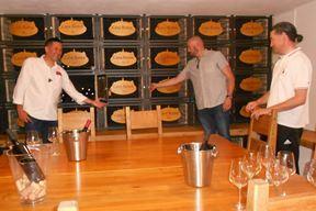 Tomislav Furlan, David Matković i Denis Ivošević u banci vina (M. RIMANIĆ)
