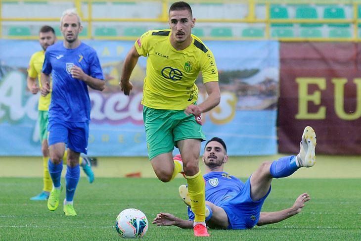 Čuva golove za kvalifikacije - Gedeon Guzina (Dejan ŠTIFANIĆ)