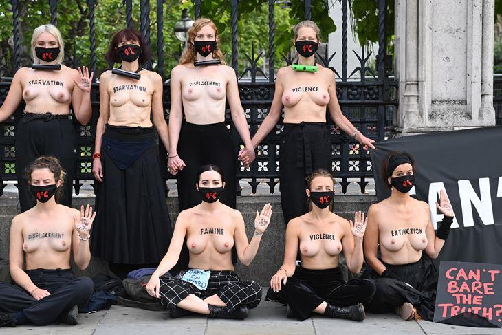 Prosvjednice globalnog pokreta Extinction Rebellion u Londonu (EPA)
