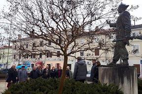 Spomenik Joakimu Rakovcu u Poreču, predsjednik NOO-a za Istru