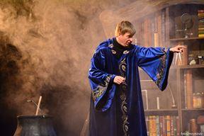 """Iz predstave """"Čarobnjakov učenik"""""""