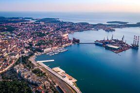 Brodogradilisxte Uljanik panorama Pula