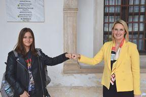 Emina Hadžić, učenica OŠ Monte Zaro i dogradonačelnica Elena Puh Belci