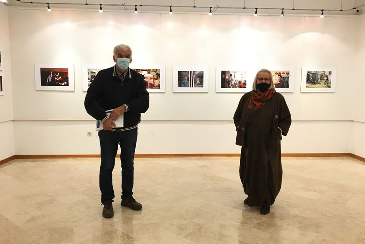 Izložbu su otvorili Mladen Boljkovac, predsjednik CVU Batana i Zlata Medak, dopredsjednica Hrvatskog fotosaveza (Snimila Aleta Brattoni)