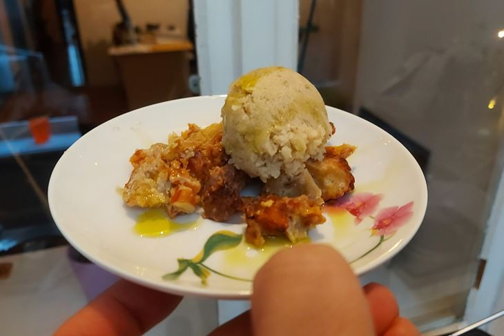 ZEMBINA ŠKOLA KUHANJA: Sladoled od jabuke i ružmarina na grotama od prhkog tijesta by The Outlaw Chef