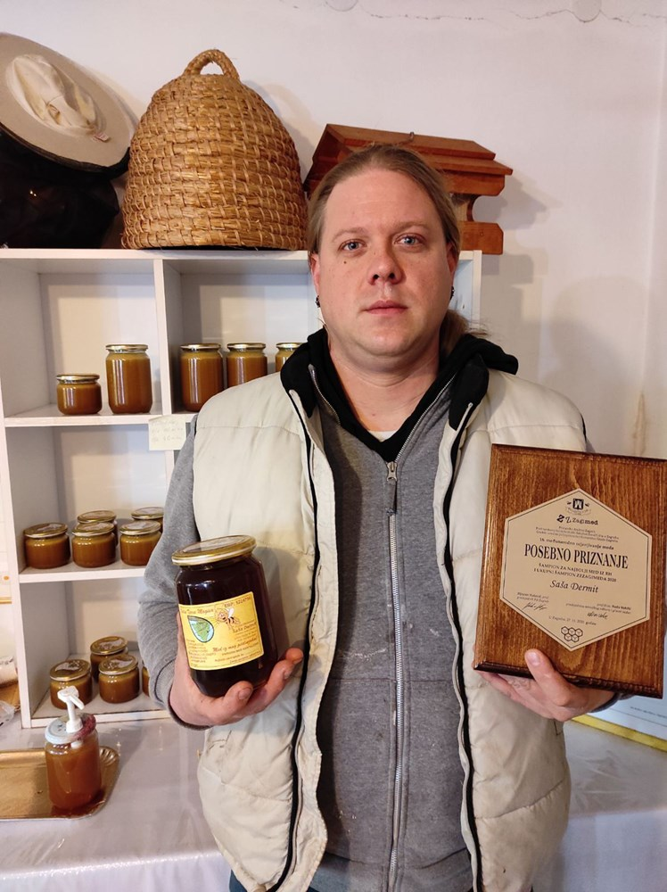 Nagrađen pčelar Saša Dermit