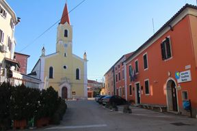 Priprema se projekt uređenja glavnog trga u Brtonigli (Snimio Luka Jelavić)