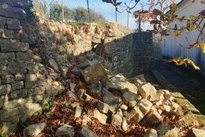 Uvijek ima posla na sanaciji potpornih zidova (Snimio Luka Jelavić)