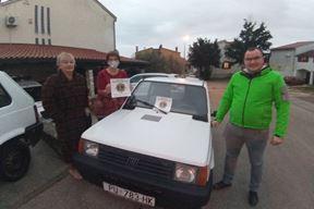 Pande donirane volonterima u Petrinji i Sisku (snimila Duška Palibrk)