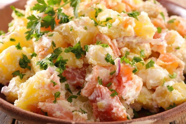 Salata od krumpira sa slaninom
