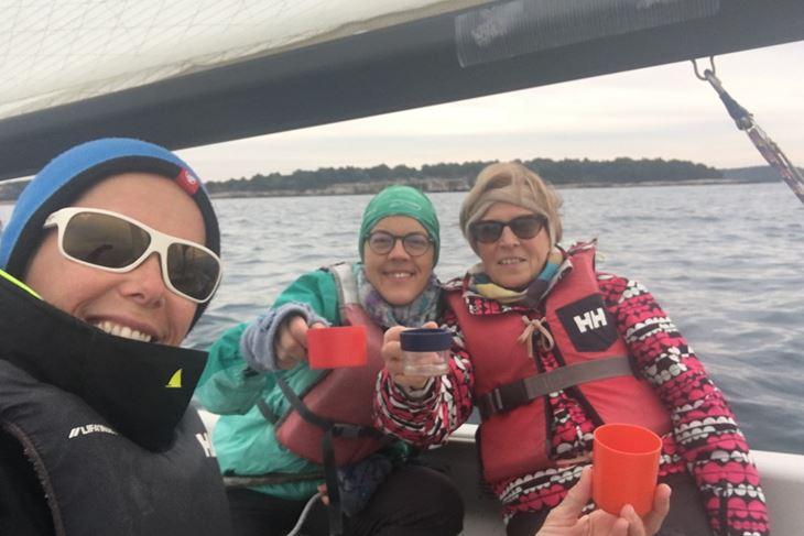 Jedrenje za starije - Petra, Tijana i Jelica