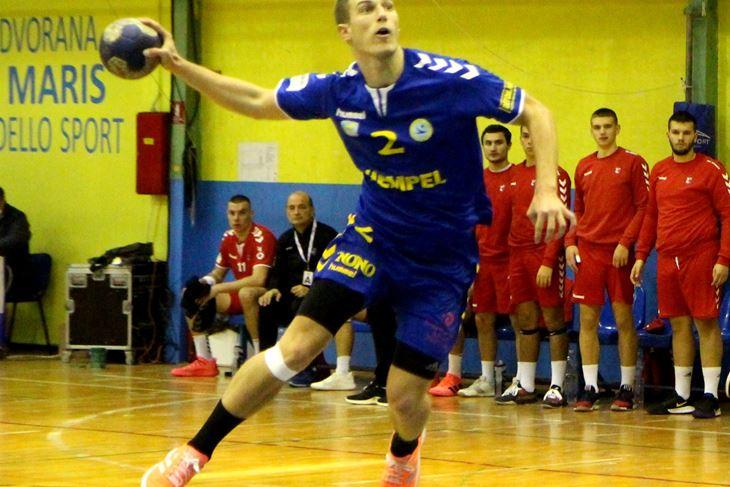 Prvi strijelac u porazu - Gabriel Buvinić (Snimio Mijat Gavran/Arhiva)