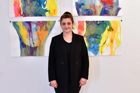 Alessandra Benčić pored svojih radova (Snimio Duško Marušić Čiči)