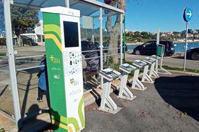 Stanica za gradski električni bicikl (Snimila Duška PALIBRK)