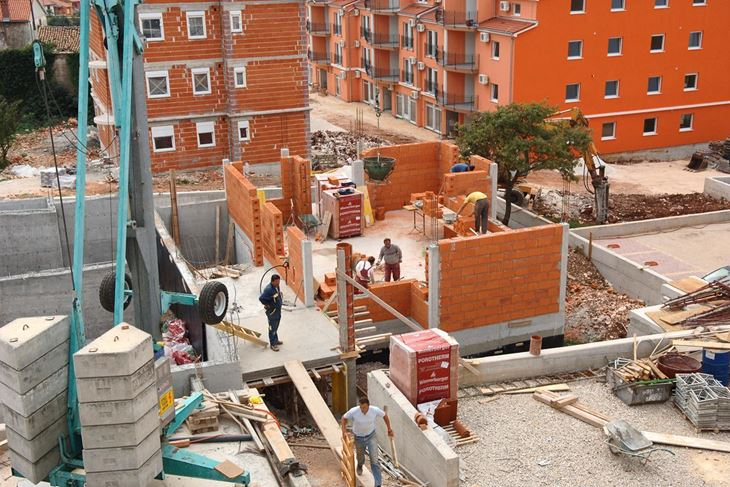 Građevinari će uvijek imati posla (Snimila Adriana Tošić)
