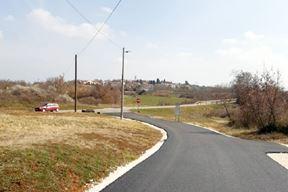 Asfaltirana cesta u Dancima (Foto Grad Poreč)