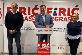 Danijel Ferić (u sredini) i suradnici Goran Subotić (kandidat za gradonačelnika Rovinja) i Antonella Degrassi (kandidatkinja za dožupanicu)