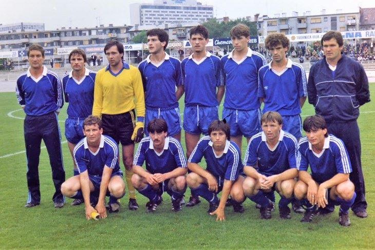 NK Istra iz 1986: stoje, trener Rosignoli, Jadreško, Božić, Grujić, Kurtović, Pamić, Četković, pomoćni trener Poldrugovac; čuče: Bubić, Žižak, Imširević, Keser, Moravac