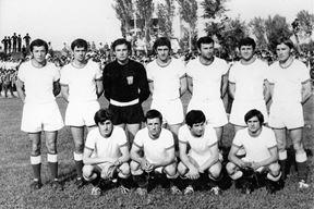 NK Istra 1970. prije kvalifikacijske utakmice s Junakom u Sinju, Nando Gherghetta čuči drugi s lijeva