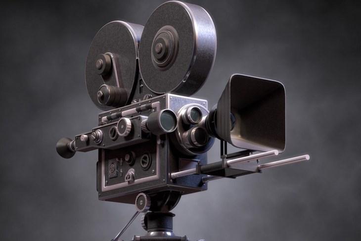 Autori i vlasnici materijala mogu samostalno prijaviti film putem prijavnice na stranicama Zbirke neprofesijskog filma