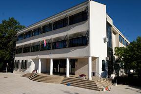 Gimnazija i strukovna škola Jurja Dobrile u Pazinu (Snimio Milivoj Mijošek)