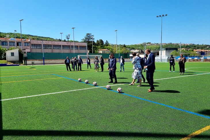 Pomoćno nogometno igralište kraj Gradskog stadiona