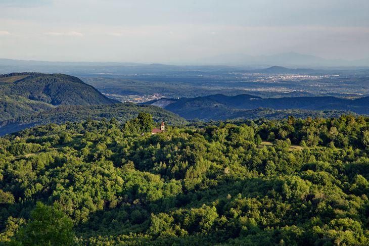 Dolina Slapnice značajni je krajobraz i dio Parka prirode Žumberak - Samoborsko gorje