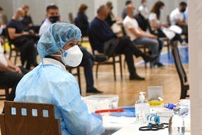 Cijepljenje u Poreču (snimio Milivoj MIJOŠEK)