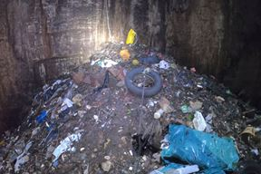 Zbog uvođenja novog sustava odvoza otpada ponovno je sve više smeća u prirodi (Foto JU Natura Histrica)