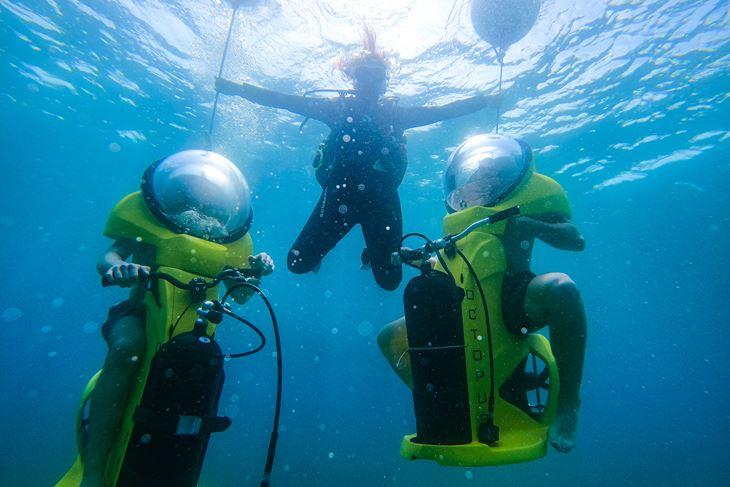 Podvodni skuter prava je atrakcija