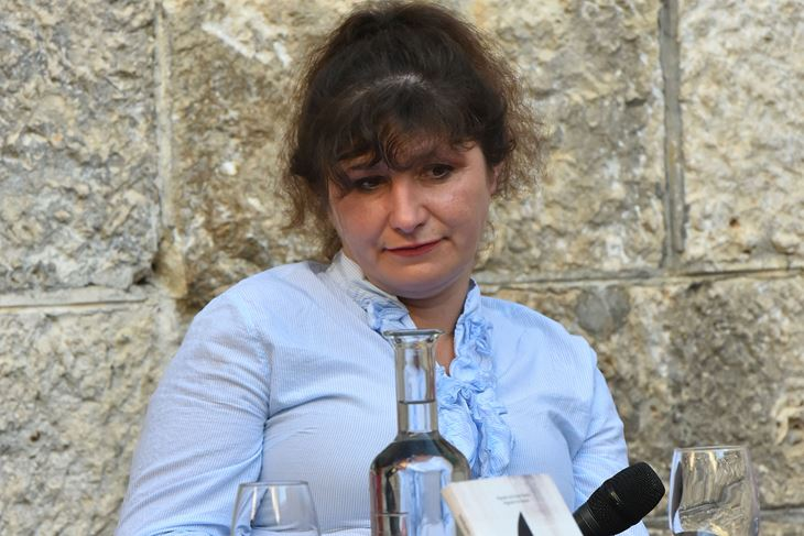 Evelina Rudan na pulskom Sa(n)jmu knjige (Snimio Duško Marušić Čiči)
