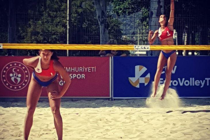 Ema Mrkić i Ana Šverko