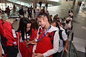 Matea Jelić sa zlatnom medaljom kreće na putovanje kući (Snimio B. Vukičević/Cropix)