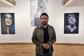 Autor prilikom otvorenja izložbe (Snimio Branko Biočić)