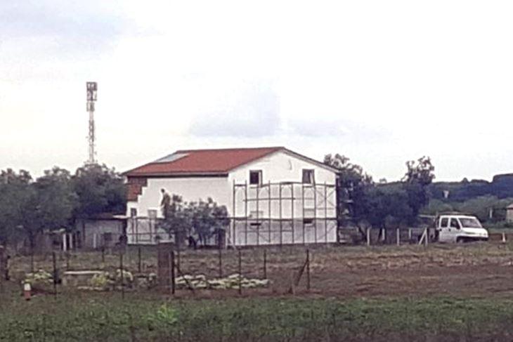 Bespravna gradnja između Vodnjana i Fažane (Snimila Sandra Zrinić Terlević)