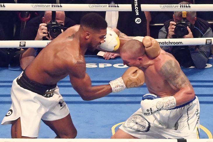 Poraz Anthonyka Joshue od Oleksandra Usika prolongirao je dugo očekivani britanski obračun između njega i Tysona Furyja (EPA)