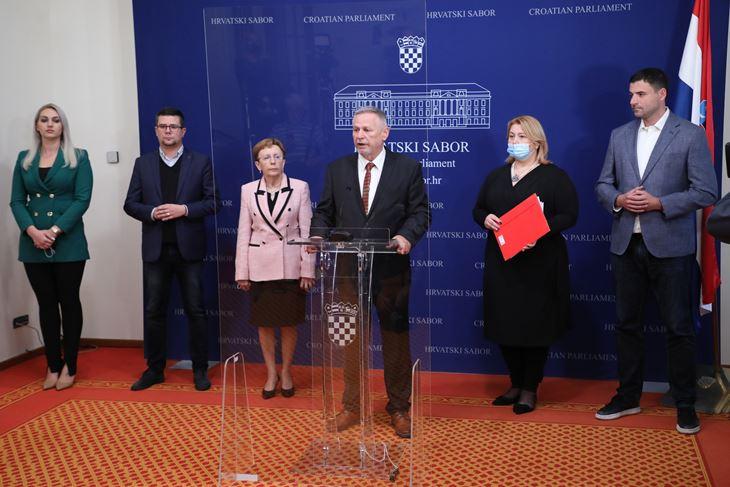 Marina Opačak Bilić, Domagoj Hajduković,  Vesna Nađ, Davorko Vidović, Ivana Posavec, Davor  Bernardić (Hina)