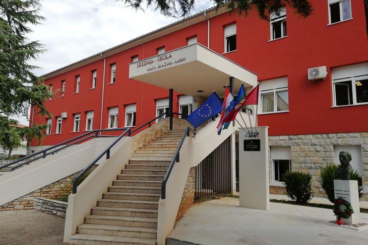 Srednja škola Mate Blažine u Labinu (Snimio Branko Biočić)
