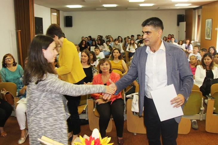 Nagrade Grada Buje najboljim učenicima (L. JELAVIĆ)